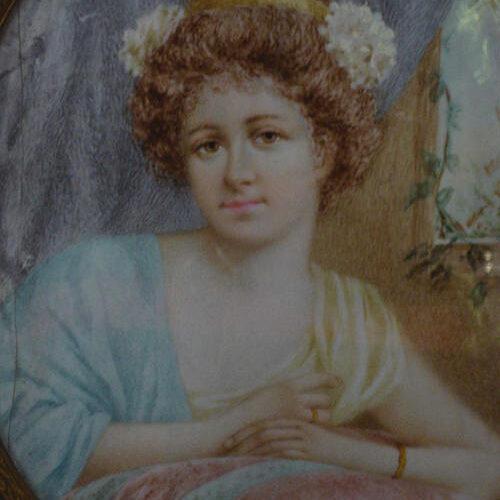 Dama con Fiori nei Capelli Limoges