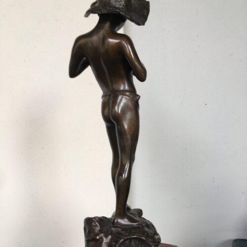 Scultura in bronzo Pescatore