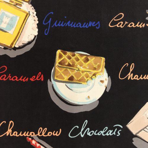 Chanel Foulard Seta 66 cm X 61 cm