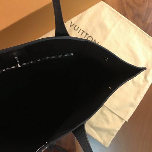 Louis Vuitton modello Lock Me Go in Pelle pieno fiore Nera