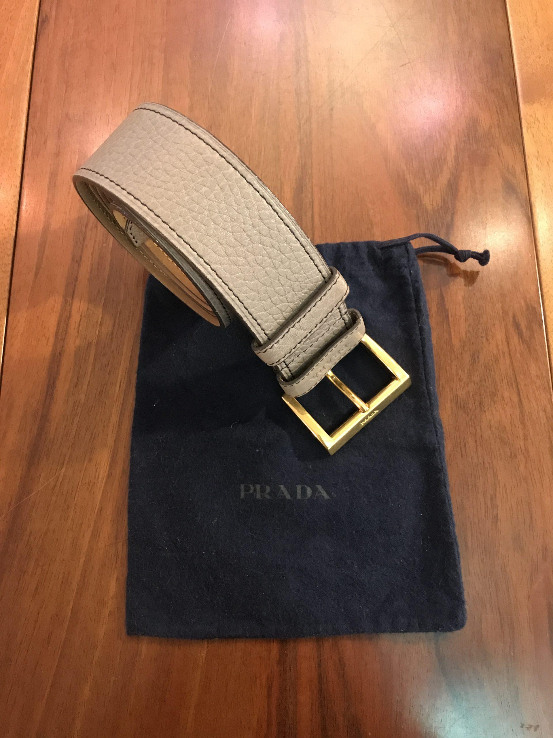 Prada Cintura in Pelle di Vitello Martellata colore Tortora
