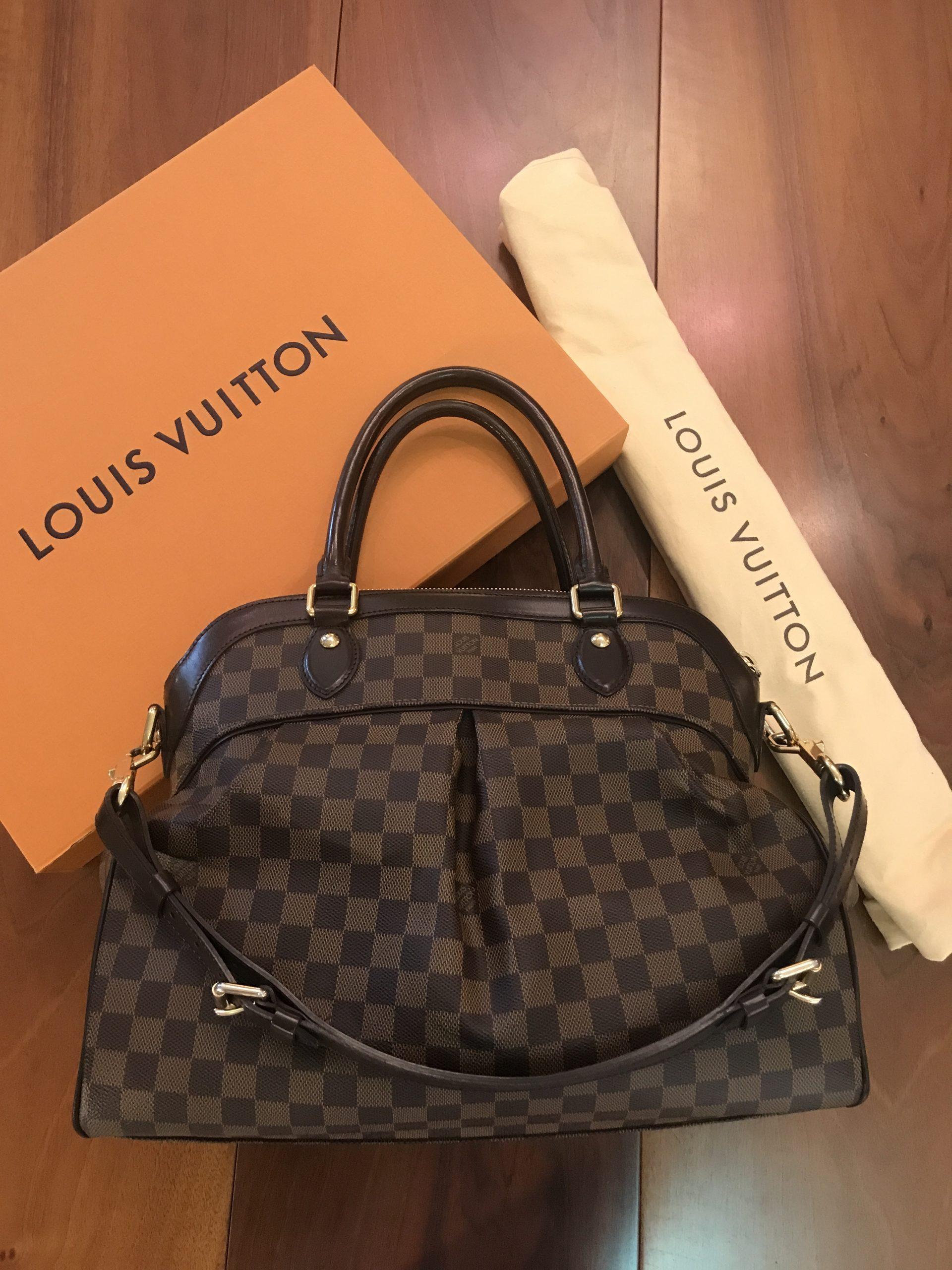 Louis Vuitton modello Trevi Gm Damier Ebene con Tracolla